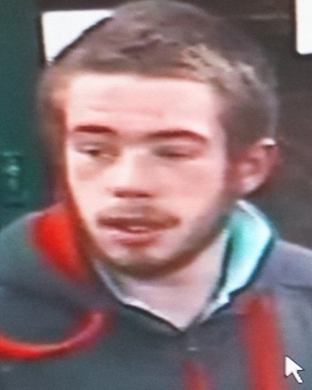 Officers would like to speak to this man (photo: Met Police)