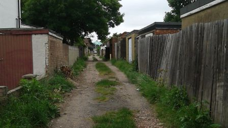 The alleyway behind houses in Westminster, Waverley and Craven Gardens before the gate was installed