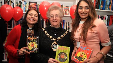 Mayor of Redbrige Felicity Banks visits manager Saba Rais,right, and her mother Roxana at The Villag