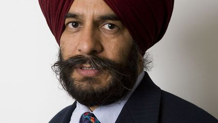 Cllr Jas Athwal proposes the pool can be built at a cost to the council of �250,000 more than the te