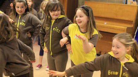 The 1st Woodford Brownies play teapot