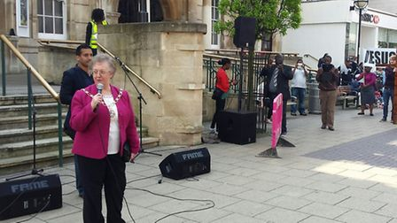 Mayor of Redbridge Cllr Felicity Banks launched the event with a short speech and opening prayer. Ph