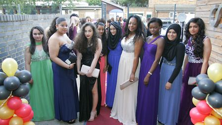 Sarah Bonnell students on the red carpet arrive at their glamorous proms night