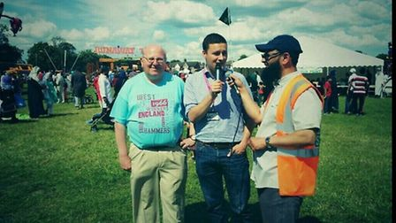L-R: MP Mike Gapes and Cllr Wes Streeting at the Al-Noor Fun Day on Sunday