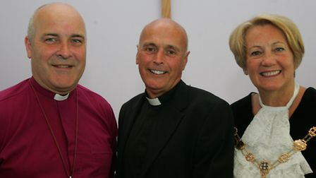 Bishop of Chelsmford Stephen Cottrell, Rev Shaun Moore and mayor cllr Linda Trew at St Georges churc