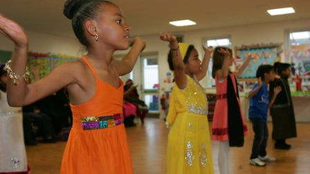 Pupils try Bollywood style dancing