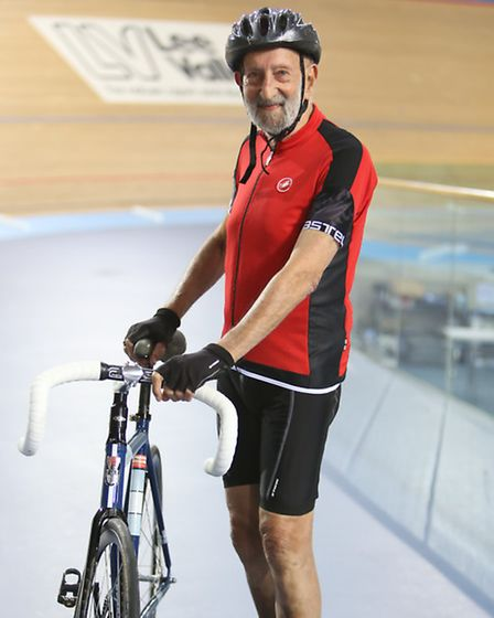 Sidney set a new record or 28.388km (17.75 miles) cycled in an hour
