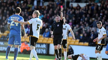 O's Darius Henderson is sent off for elbowing Richard Duffy in the face by ref Lee Collins. Pic: Si