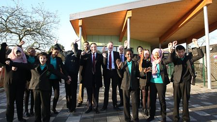 Redbridge Council has announced plans to build a new swimming pool at Mayfield School. Cllr Wes