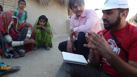 Adnan meets Tharparkar families to see what more can be done to help (Pic by MWF)