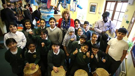 Highlands Primary School's deputy headteacher Jean Durr is leaving and the children put on a concert