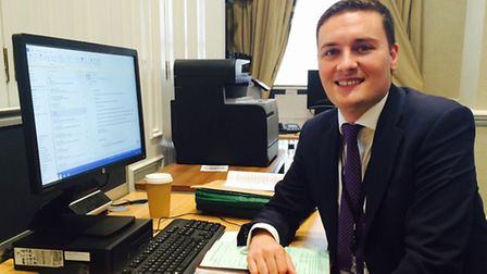 Wes Streeting at his hotdesk in parliament