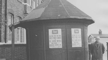 The Connaught Urinal in 1971 (picture: Newham Archives and Local Studies Library)