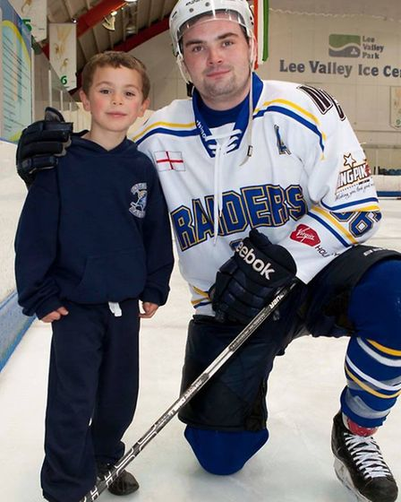 London Raiders defenceman David Oliver with a young supporter (pic: John Scott)