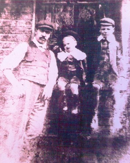 Phyllis Stevens and Pat Harris' grandfather William Baker (left), who died in the First World War, w