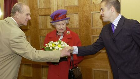 HRH QUEEN ELIZABETH VISIT TO WEST HAM UNITED - 9/5/02 - PICTURE BY STEVE BACON - DUKE SHAKES HANDS W