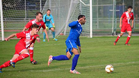 Sporting Bengal attack against Halstead (pic: Tim Edwards)