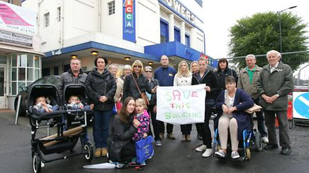 Campaigners demonstrate in front of the Mecca Bingo hall in Hornchurch after Lidl submitted a planni