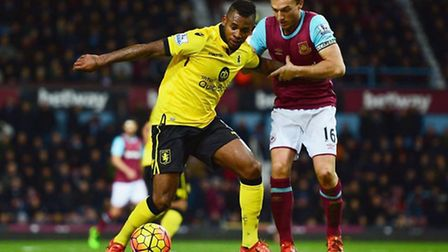 Mark Noble in action against Aston Villa (pic: whufc.com)