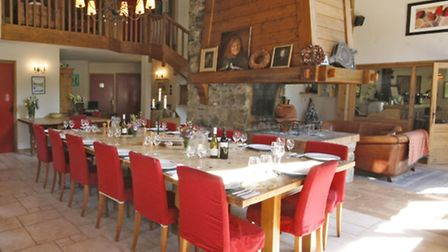 The open-plan dining room in the chalet-hotel Au Coin Du Feu
