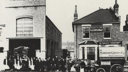 Harrison Gibson - 27 & 29 Havelock Street C.1910 Harrison Gibson goods entrance & sales offices. Pic