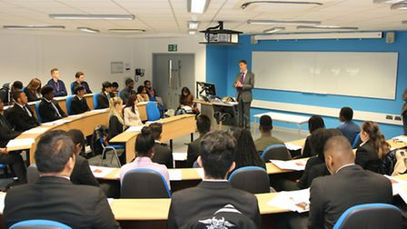 Stephen Timms addresses students at UEL (picture: UEL/Ewen Laycock)