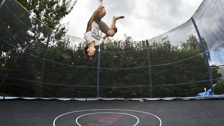 Plans for an indoor trampoline park to open in an empty wharehouse in Harold Hill have been agreed b