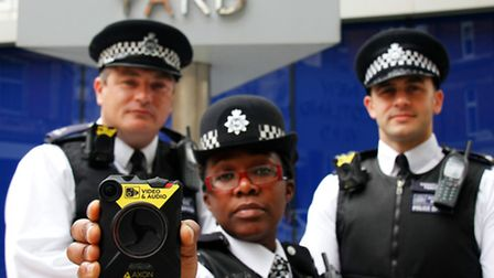 Metropolitan police officers are to receive body worn video cameras to aid the fight against crime.