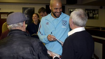 Darren Randolph shares a joke with a supporter at the Any Old Irons event (pic whufc.com)