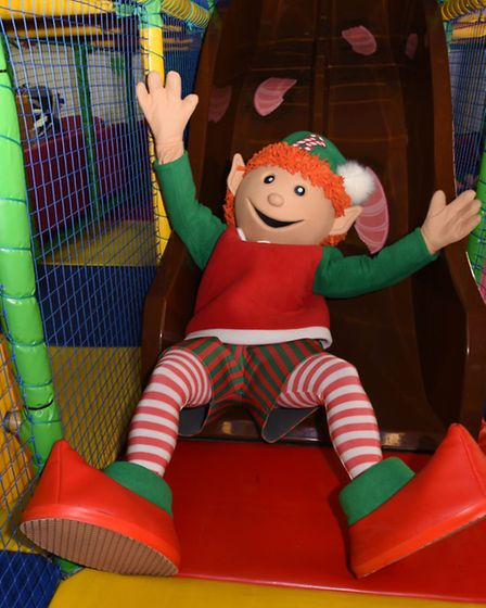 It's all play and no work for this elf
