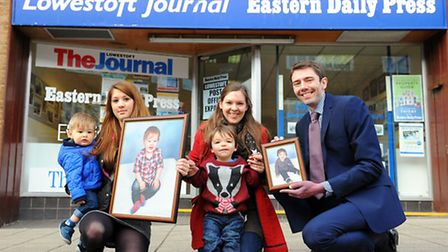 Lowestoft Journal Bonny babY competition.(L TO R) Brodie Thacker with her mother Leanne Squires, Hay
