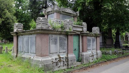 City of London Cemetery - Anchor Road south side, first Pedley family vault. Picture: Acabashi/Wikim