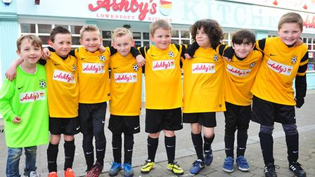 Ashby's restaurant have sponsored the Waveney under 9's football team.