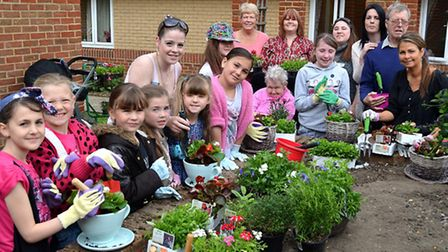 3rd Oulton Brownies Planting