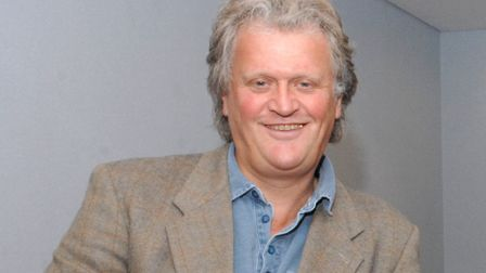 Wetherspoons boss Tim Martin has urged MPs to push for a hard Brexit and dish out £600 each to every