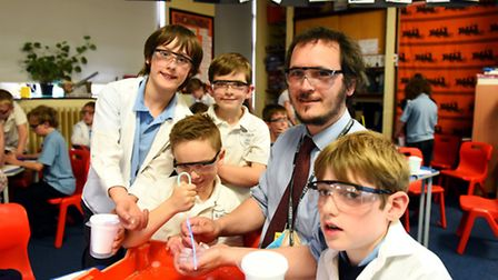 Blundeston Primary School science teacher Ed Davey taking a hands on science lesson with pupils. Pic