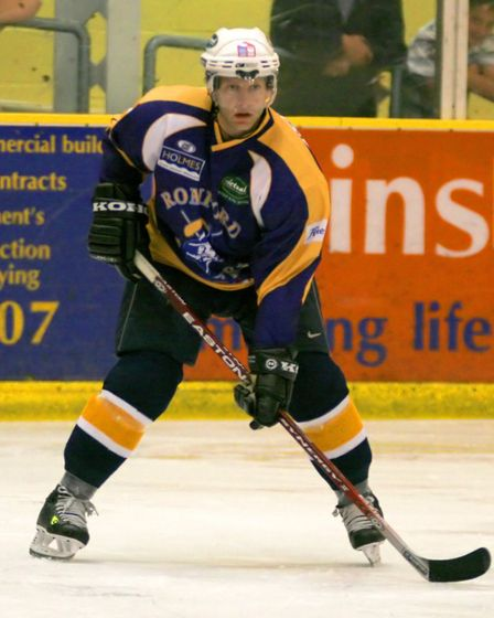 Rob Stewart made a playing return to Romford Raiders in 2006/7