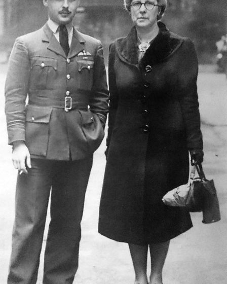John Freeborn and his mum, Jean Freeborn outside of Buckingham Palace in 1940 after receiving his DF