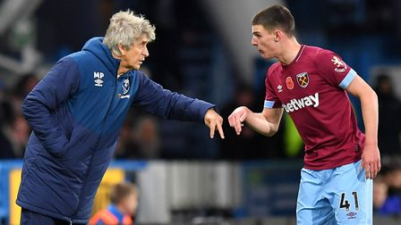 West Ham United manager Manuel Pellegrini and Declan Rice talk tactics (pic: Dave Howarth/PA)