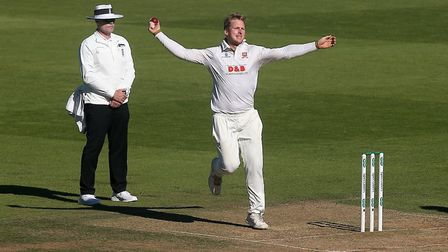 Simon Harmer in bowling action for Essex (pic Gavin Ellis/TGS Photo)