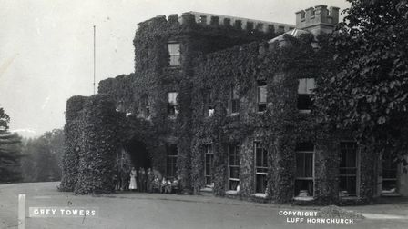 The New Zealand soldiers' convalescent hospital at Grey Towers, Hornchurch. Photographed by Frank Lu