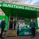 Macmillan Cancer Support bus and team. Picture: Glyn Collins
