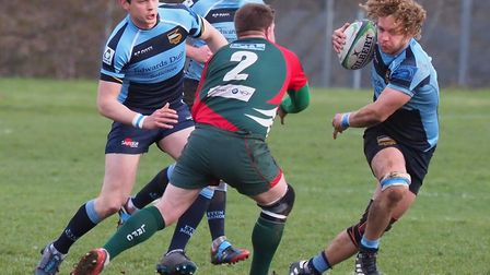 Rob Falls with the ball for Eton Manor against Luton (pic: Martin Pearl).