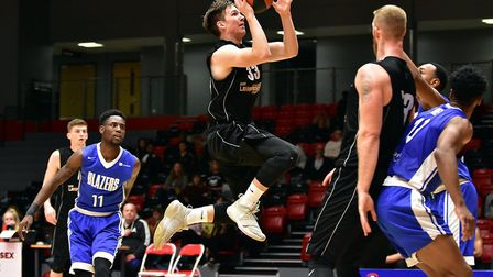 Essex Leopards Findlay Wood in action against Derby Trailblazers (Pic: Paul Phillips)