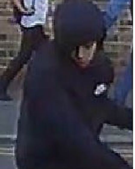 Both of the suspects appear to be wearing black hoodies and riding bikes. Picture: MPS.