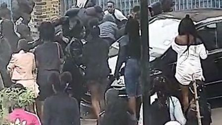 A pizza delivery driver was attacked by a gang of youngsters iin Napier Road, East Ham on Saturday,