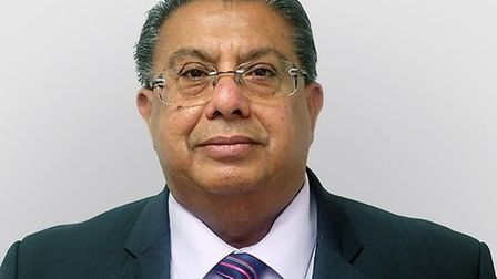 Mr Jagmohan Chawla is an experienced Consultant Ophthalmic Surgeon specialising in multifocal lens i
