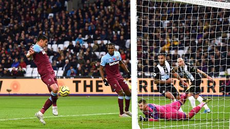 West Ham United's Fabian Balbuena scores his side's first goal of the game during the Premiership ma