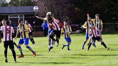 Clapton CFC in action against Runwell Sports (Pic: Thomas Seropian)