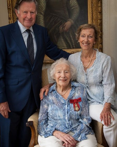 Tom Jones (son-in-law), Virginia Lewis-Jones (daughter) and Dame Vera Lynn (seated) at the Companion